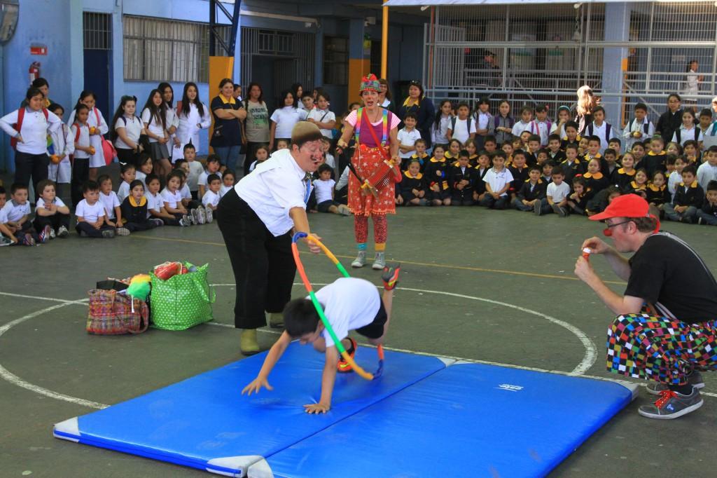 optreden op een school voor arme kinderen in Santiago 2014